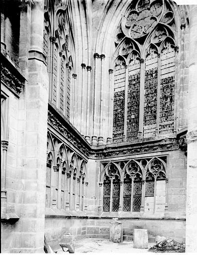 Cathédrale Notre-Dame Arcature et fenêtre sur la terrasse, Enlart, Camille (historien),