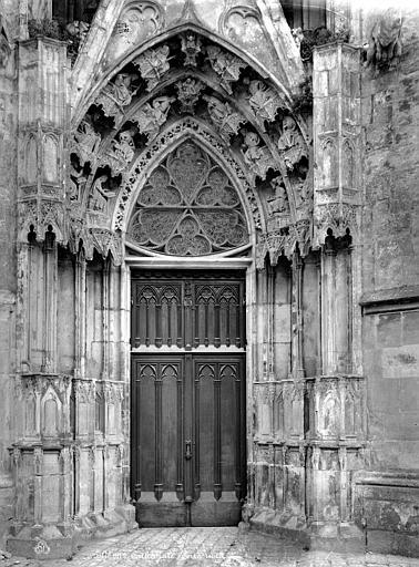 Cathédrale Sainte-Croix Portail de la façade nord, Mieusement, Médéric (photographe),