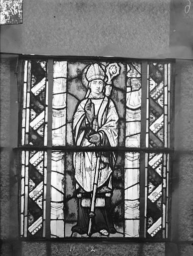 Eglise Saint-Gengoult Vitrail du transept sud, fenêtre A, 2ème lancette, panneaux supérieurs 11, 12, Romanais (photographe),