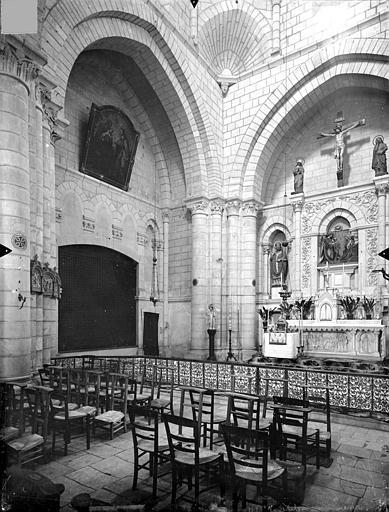Eglise Saint-Hilaire-de-la-Celle ; Chapelle des Carmélites Vue intérieure de la croisée, Gossin (photographe),