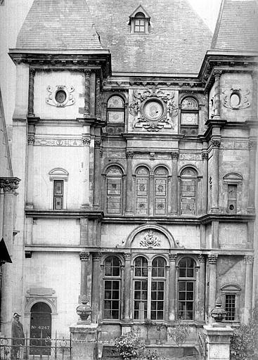 Hôtel Cabu ou maison dite Diane de Poitiers, actuellement musée historique Façade sur rue, Mieusement, Médéric (photographe),