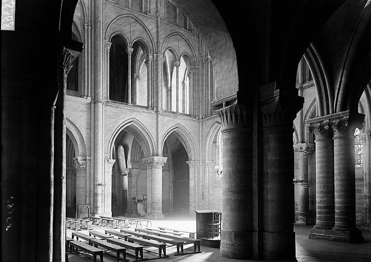 Basilique Saint-Remi Bas-côté et nef, Enlart, Camille (historien),