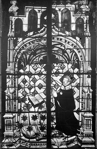 Cathédrale Notre-Dame Vitrail de la nef : Charles V en donateur, Leprévost (photographe),