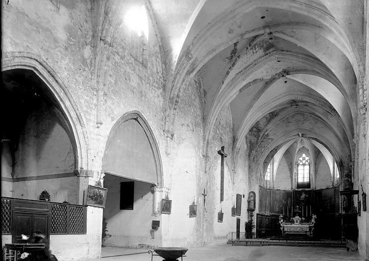 Chapelle de l'hôpital (supposée) Nef et chapelles vues de l'entrée, Enlart, Camille (historien),