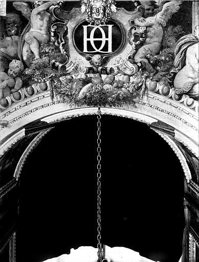Domaine national, château Peintures murales de la galerie Henri II, clef d'arc, Service photographique,
