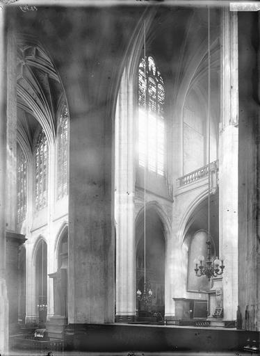 Eglise Saint-Gervais-Saint-Protais Nef et bras sud du transept, Durand, Eugène (photographe),