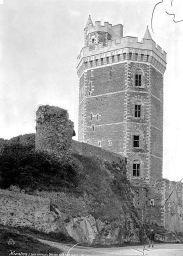Château Donjon, côté sud-est, Mieusement, Médéric (photographe),