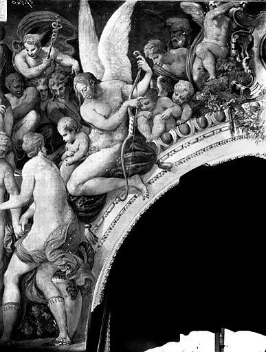 Domaine national, château Peintures murales de la galerie Henri II, partie droite du Jugement de Paris, Service photographique,