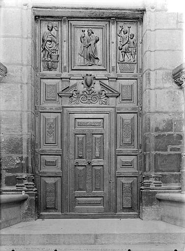 Eglise Saint-Michel Portail sud de la façade ouest : Porte à vantaux, Gossin (photographe),