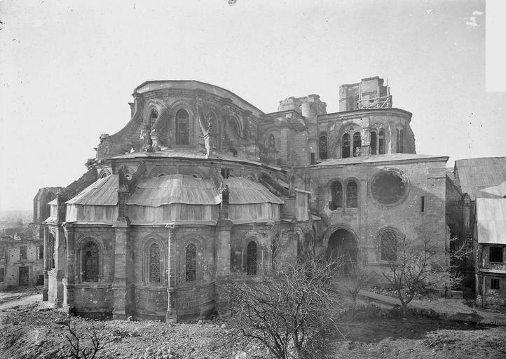 Eglise Notre-Dame (ancienne cathédrale) Ensemble est, Service photographique,