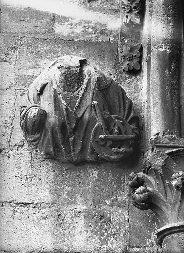 Cathédrale Notre-Dame Sommier d'arc, tour nord, la Justice, Lajoie, Abel,