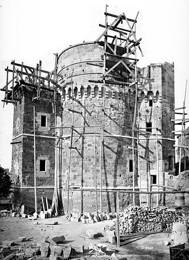 Château Tour d'angle, Mieusement, Médéric (photographe),