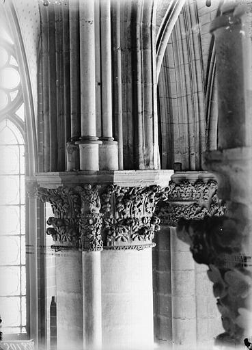 Cathédrale Notre-Dame Chapiteau du cinquième pilier du choeur, à gauche, Lajoie, Abel,