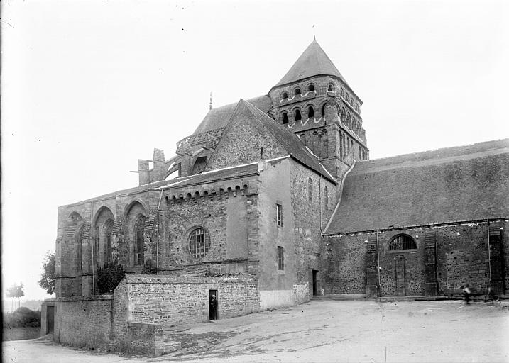 Eglise Saint-Sauveur Vue d'ensemble, Enlart, Camille (historien),