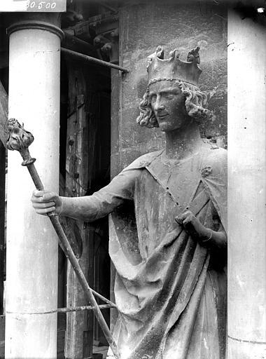 Cathédrale Notre-Dame Statue de roi dite de Philippe-Auguste, après restauration, Lajoie, Abel,