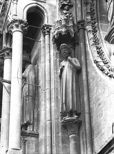 Cathédrale Notre-Dame Statue d'Adam, Lajoie, Abel,