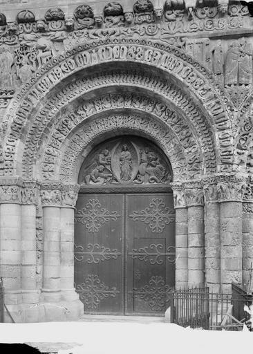 Eglise Notre-Dame-la-Grande Façade ouest, porte centrale, Durand, Eugène (photographe),