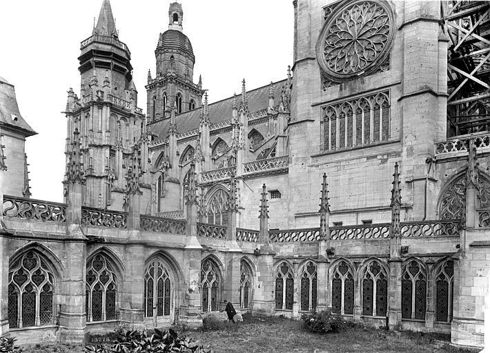 Cathédrale Notre-Dame Façade sud et cloître, Mieusement, Médéric (photographe),