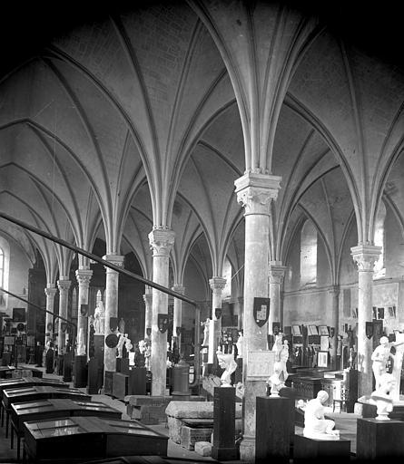 Hôtel-Dieu (ancien hôpital Saint-Jean), Musée archéologique Ancienne salle des malades : Vue intérieure, Berthault (photographe),