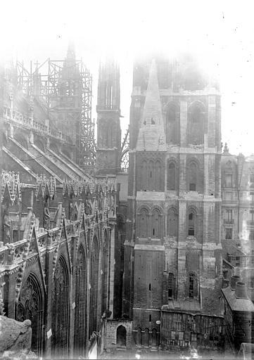 Cathédrale Notre-Dame Arcs-boutant et tours, Enlart, Camille (historien),
