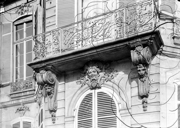 Hôtel Monaco Balcon du premier étage, Durand, Eugène (photographe),