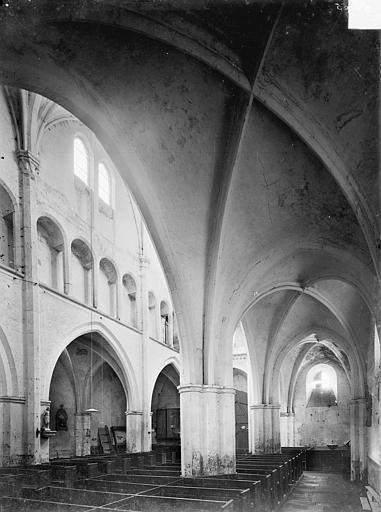 Eglise Vue intérieure du bas-côté nord et de la nef, vers le sud-ouest, Heuzé, Henri (photographe),