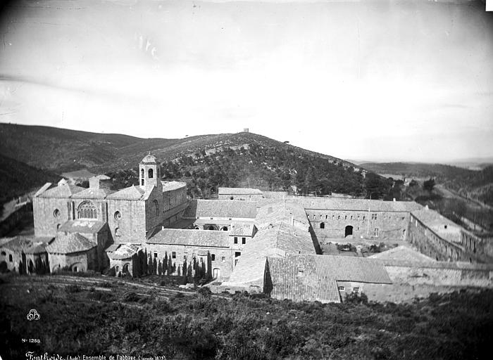 Abbaye de Fontfroide Vue d'ensemble, Mieusement, Médéric (photographe),