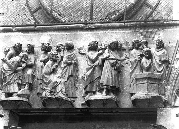 Cathédrale Notre-Dame Portail ouest, linteau de la porte sud, Lajoie, Abel,