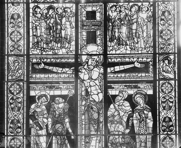 Cathédrale Saint-Pierre Vitrail, partie haute, Magne, Louis,