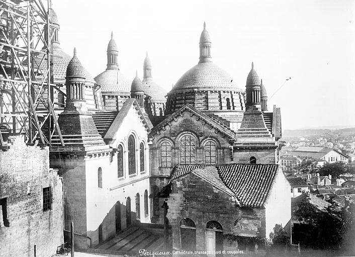Cathédrale Saint-Front Transept sud et coupoles, Mieusement, Médéric (photographe),