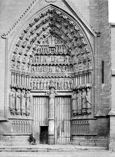 Cathédrale Notre-Dame Portail du transept sud, Mieusement, Médéric (photographe),