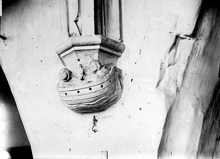 Eglise Saint-Jean-Baptiste (supposée) Choeur, culot: l'Arche de Noé, Enlart, Camille (historien),
