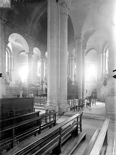 Eglise Saint-Hilaire-le-Grand Vue intérieure du transept sud, du déambulatoire et du choeur, vers le nord-est, Gossin (photographe),