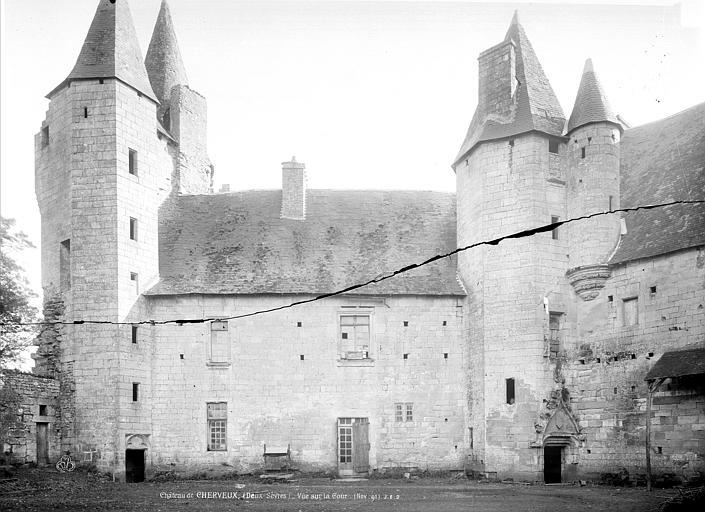 Château Façade sur cour, Durand, Jean-Eugène (photographe),