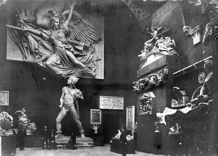 Arc de Triomphe Groupe du départ, Enlart, Camille (historien), 75 ; Paris 16 ; Palais de Chaillot (Trocadéro) ; Musée de Sculpture comparée, musée des Monuments français