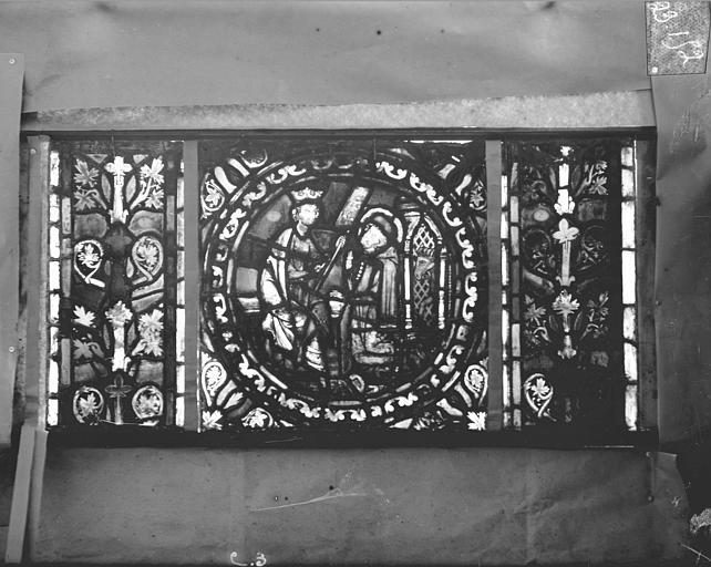 Eglise Saint-Gengoult Vitrail de l'abside, lancette gauche, panneaux supérieurs 3, Romanais (photographe),