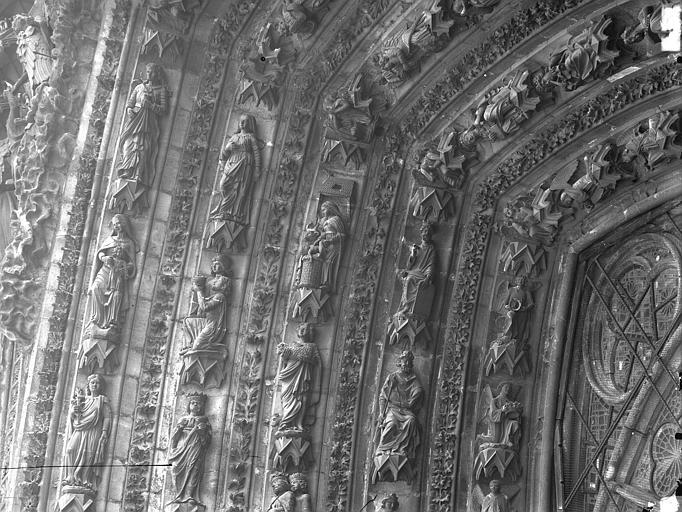 Cathédrale Notre-Dame Portail ouest, porte centrale, partie supérieure de la voussure gauche, Lajoie, Abel,