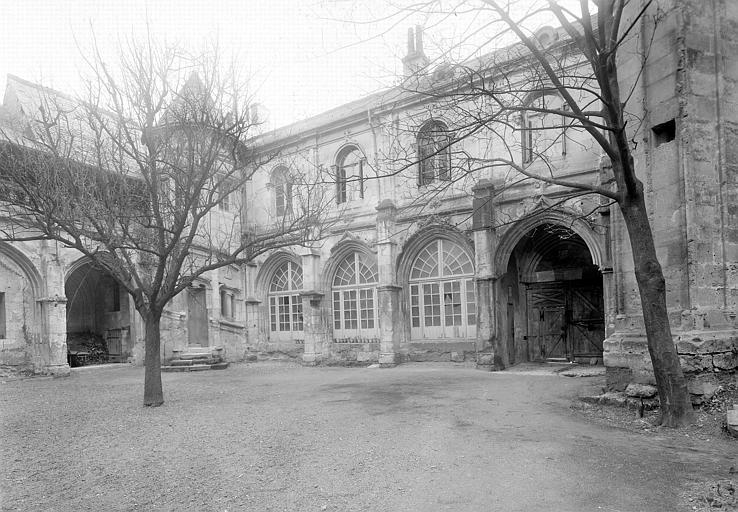 Cloître Saint-Gatien dit La Psalette Façade sur cour, Maupuit (Tours),