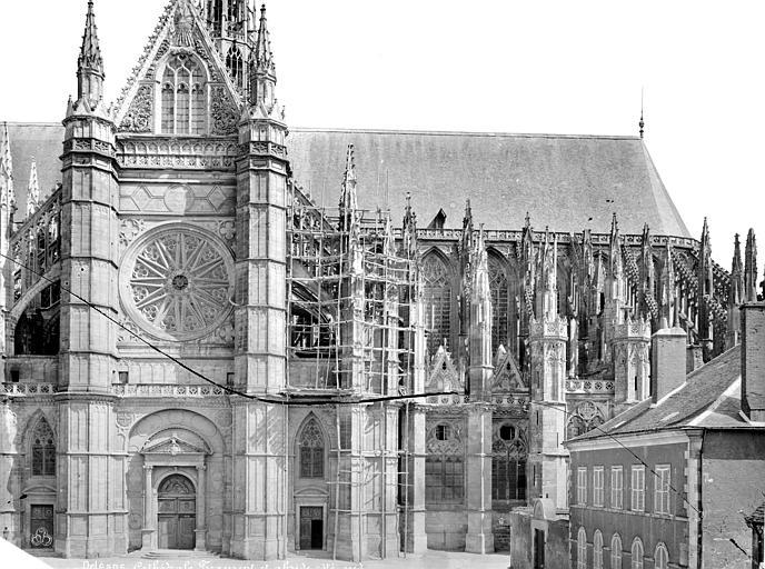 Cathédrale Sainte-Croix Façade sud : transept et partie est, Mieusement, Médéric (photographe),