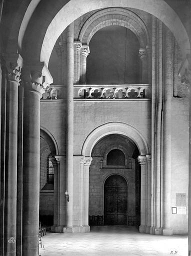 Eglise de Saint-Etienne-le-Vieux (ancienne) Vue intérieure de la nef : Travée, Durand, Jean-Eugène (photographe),