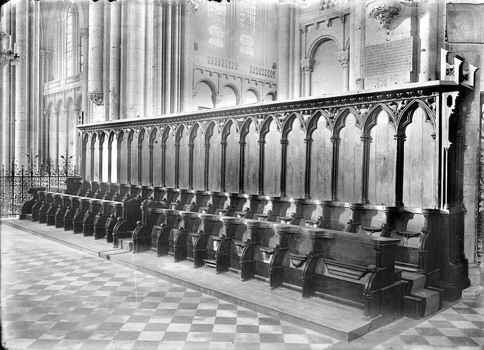 Cathédrale Saint-Pierre Stalles : vue d'ensemble, Heuzé, Henri (photographe),