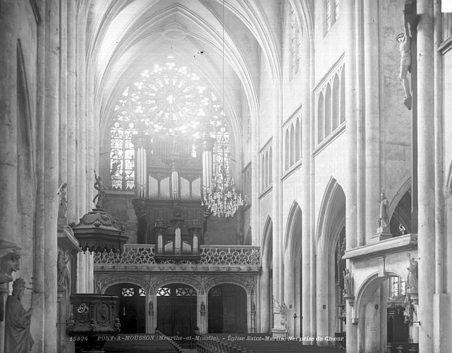 Eglise Saint-Martin Vue intérieure de la nef, vers l'ouest, Neurdein (frères) ; Neurdein, Louis ; Neurdein, Louis (photographe),