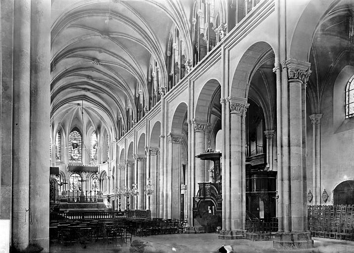 Cathédrale Saint-Jean et Saint-Etienne Nef vue de l'entrée, Enlart, Camille (historien),