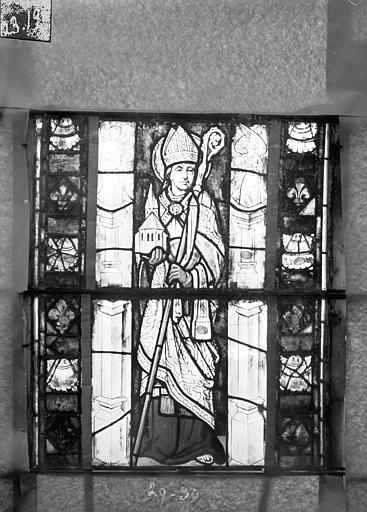 Eglise Saint-Gengoult Vitrail du transept sud, fenêtre A, 4ème lancette, panneaux 29, 30, Romanais (photographe),