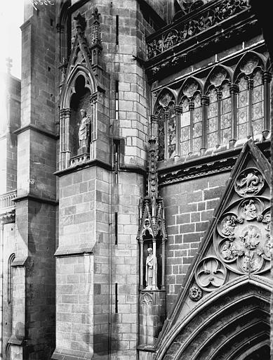 Cathédrale Notre-Dame Pignon, galerie et contrefort, Enlart, Camille (historien),