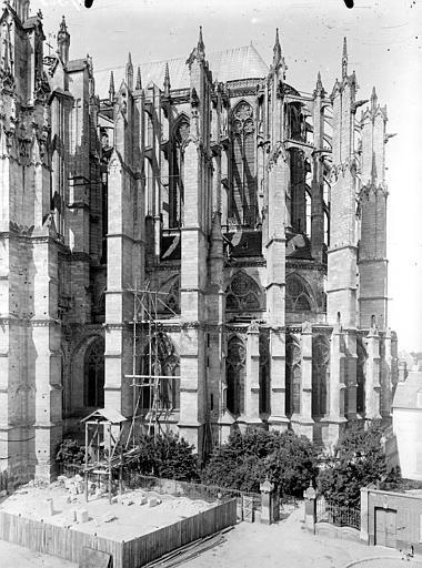 Cathédrale Abside au sud, Chaine, Henri (architecte),