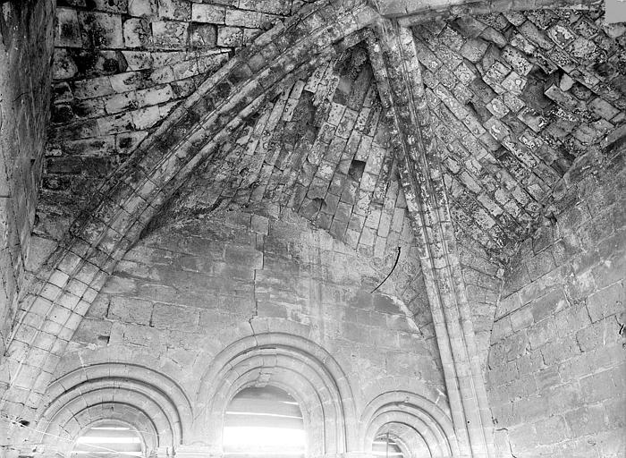 Prieuré de Bellefontaine (restes) Eglise : Voûte, Durand, Jean-Eugène (photographe),