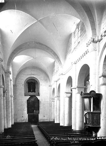 Eglise Notre-Dame de Galilée dite Petite église Vue intérieure de la nef, vers l'entrée, Mieusement, Médéric (photographe),