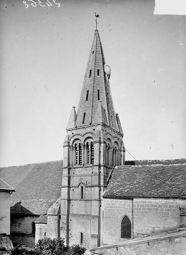Eglise Clocher, Heuzé, Y.,