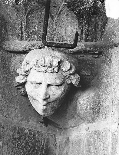Cathédrale Notre-Dame Tête d'amortissement, le Siffleur, Lajoie, Abel,